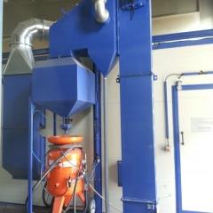 Blasting chamber free flow machines