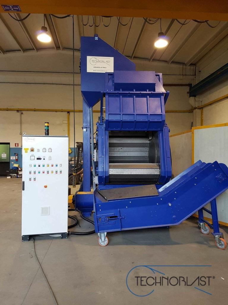 Technoblast • Steel belt shotblasting machines GSA